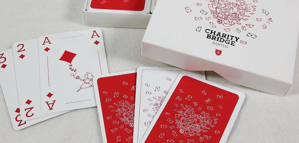 Für den privaten Gebrauch oder als Werbegeschenk. Mit individuell gestalteten Kartenspielen können Sie viele Menschen glücklich machen.