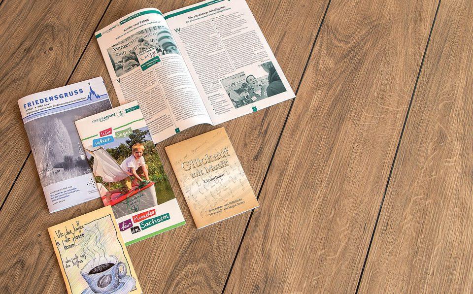 Von Veranstaltungsprogrammen über Gebrauchsanweisungen bis zu Produktinformationen. Die Broschüre ist die beste Möglichkeit, um Informationen kompakt zu präsentieren und zugänglich für Kunden oder Freunde zu machen.